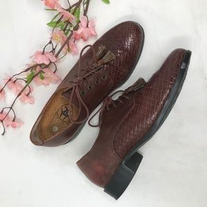 Ariat Lace Up Leather Oxfords sz 7 Woven Tassels